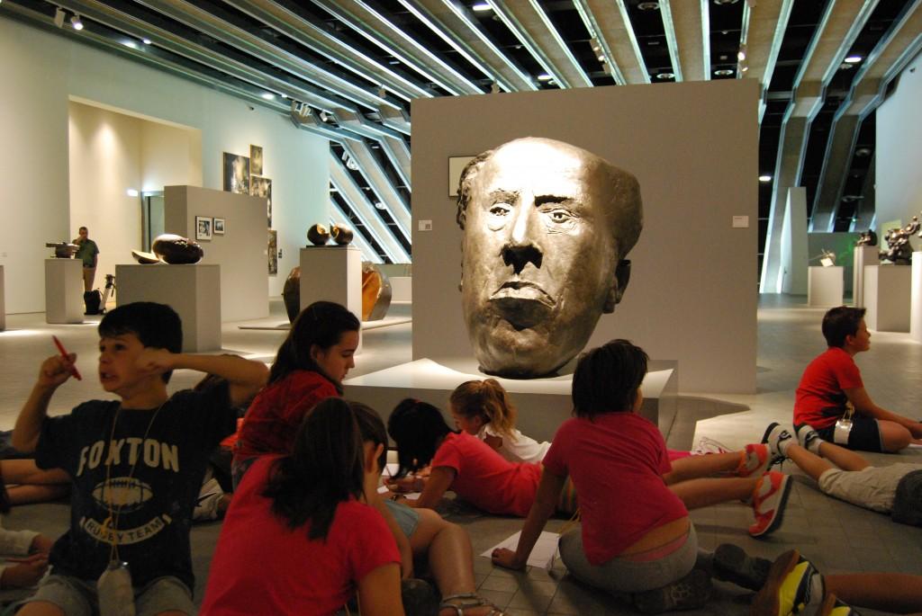 Viendo el retrato de Antonio Machado (Pablo Serrano)